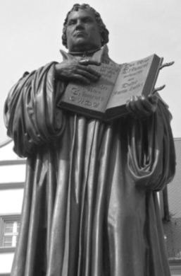 Luther_statue.jpg
